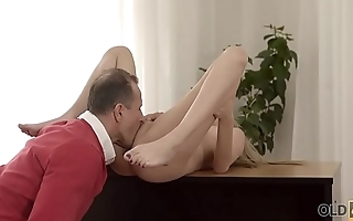 OLD4K. Innocent girl embarks spontaneous sex with mature neighbor