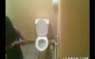 Hidden Cam In An Arab Toilet Before Starting Beauty Pageant