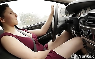 Yanks Jenny Mace Orgasms While Driving