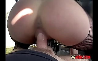 Hot Babe Amber Deen Has Taxi Driver Impale Her