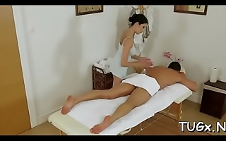 Sex is delivered to a lad as bonus during massage