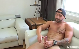 Maskurbate Str8 French Canadian Hottie Jerks 8.5inches Of Meat