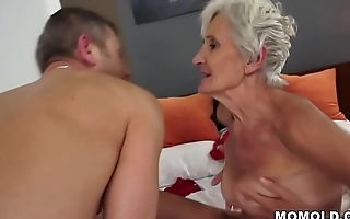 Old woman Viviana still needs hard dick