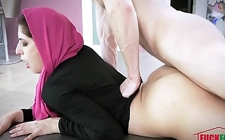 Nikki Knightly In Horny Hijab Girl Unveils Her Asshole
