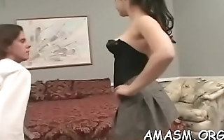 Needy woman likes facesitting man in messy porn modes